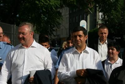 Raed Saleh und Frank Henkel auf Kiezstreife in Spandau