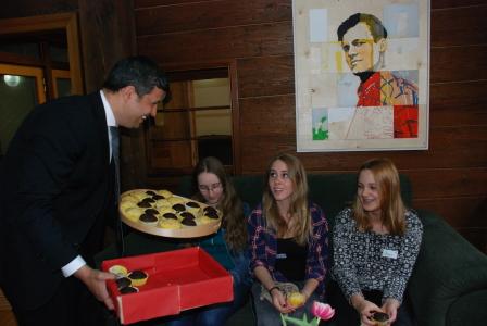 Anlässlich des Girl's Day: Einladung zur Muffinparty